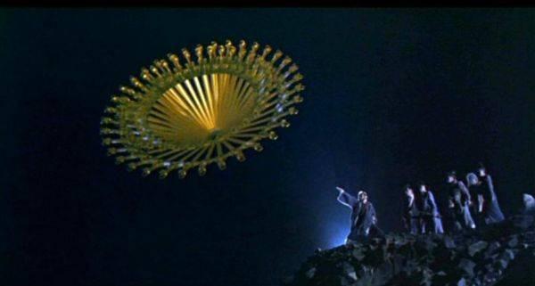 http://www.hkcinemagic.com/en/images/movie/large/ChineseGhostStoryII034_a1bb8b40235fec7dca8737c571f30a00.jpg